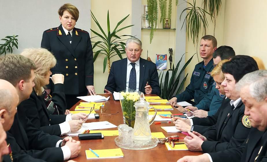 В Гродно создают центр безопасности, а в регионе появятся новые пожарные посты. На заседании областного совета «Белорусского добровольного пожарного общества» обсудили перспективы развития