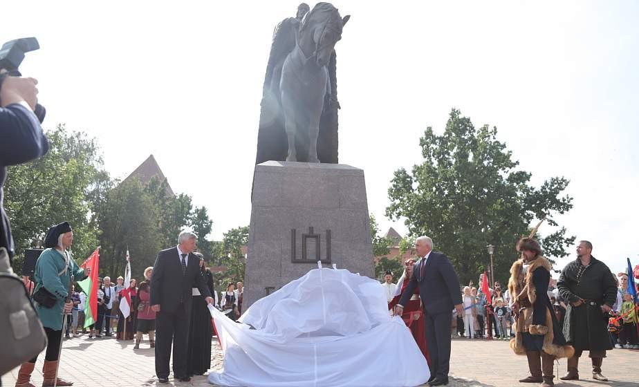 Памятник Гедимину, основателю Лидского замка, торжественно открыли в День города Лиды