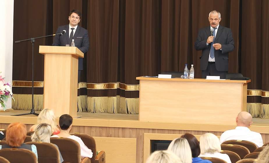Рынок труда и новые задачи в образовании. О чем шла речь на встрече заместителя председателя облисполкома Виктора Пранюка с трудовыми коллективами в Гродно?