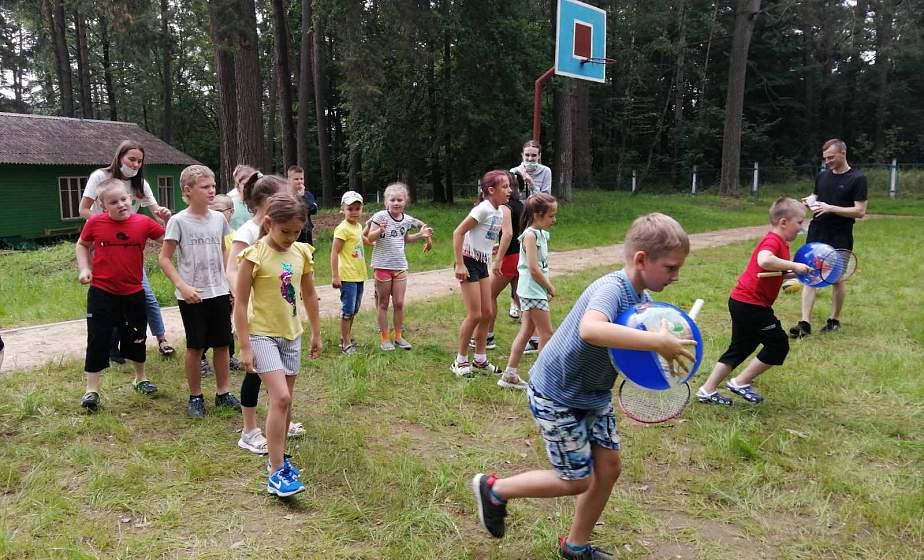 Детские лагеря с круглосуточным пребыванием принимают отдыхающих. Репортаж с первой смены