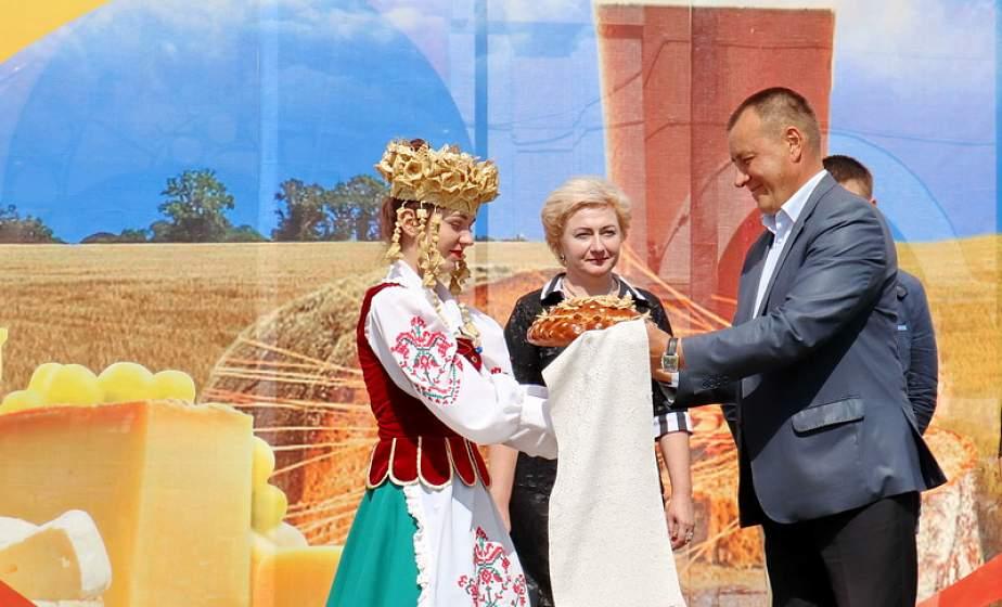 Хлеб, сыр, квас – им всегда почет и поклон. С песнями, конкурсами и дегустацией проходит праздник в Новогрудке