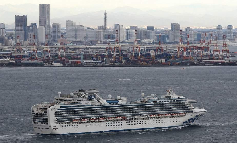 Еще у 10 пассажиров круизного судна в Японии обнаружили коронавирус