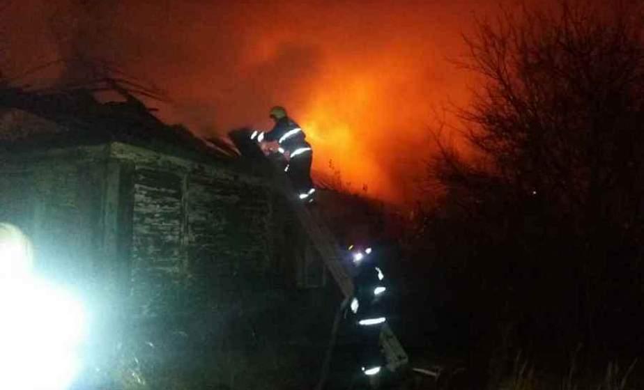 В Лиде после тушения пожара в жилом доме найдено тело мужчины