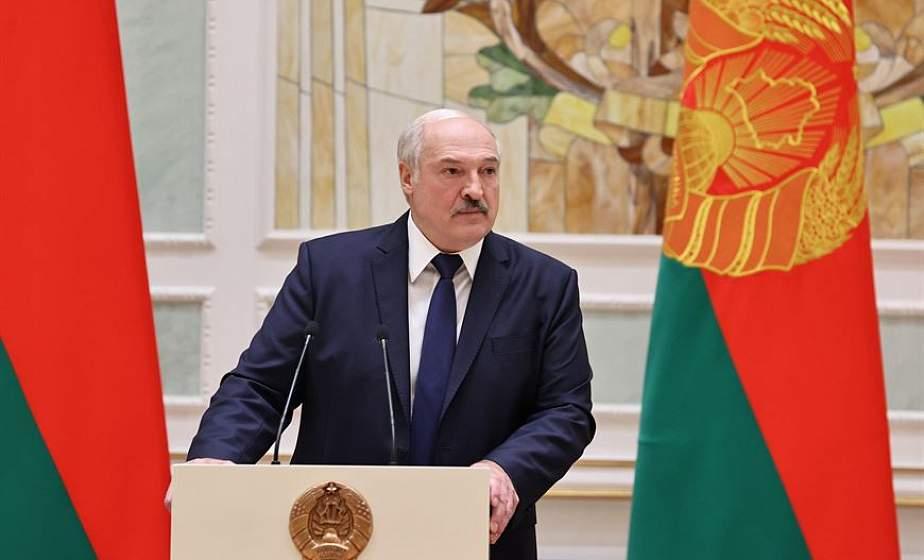 """""""Дальше - все. Нам отступать некуда, и мы отступать не собираемся"""" - Александр Лукашенко предупредил участников беспорядков"""
