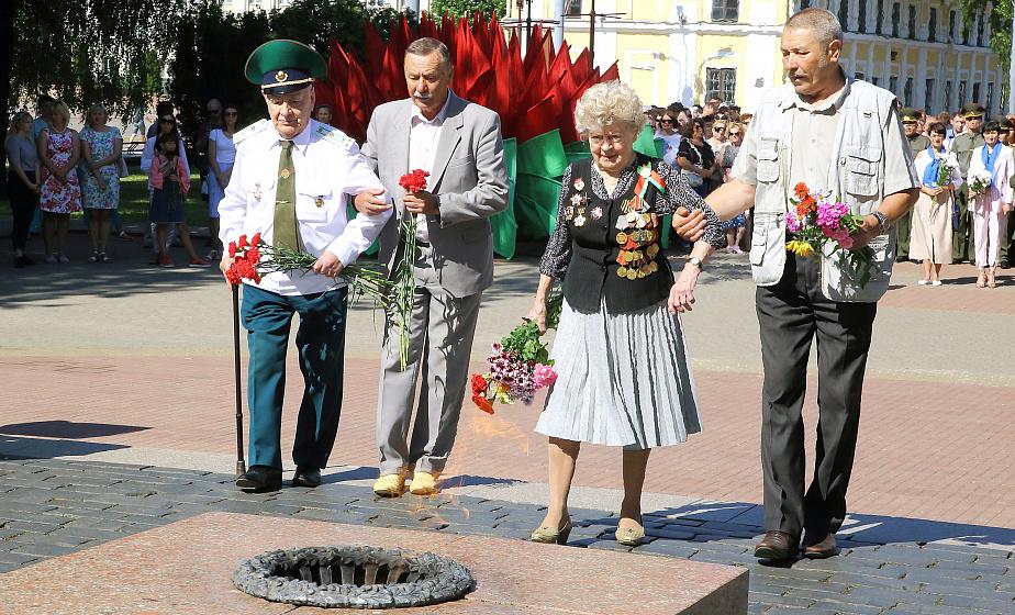 В Гродно прошел митинг, посвященный Дню всенародной памяти жертв Великой Отечественной войны