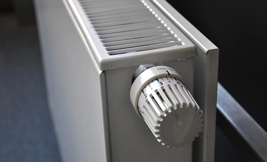С 22 сентября в жилых домах и административных зданиях региона включат отопление