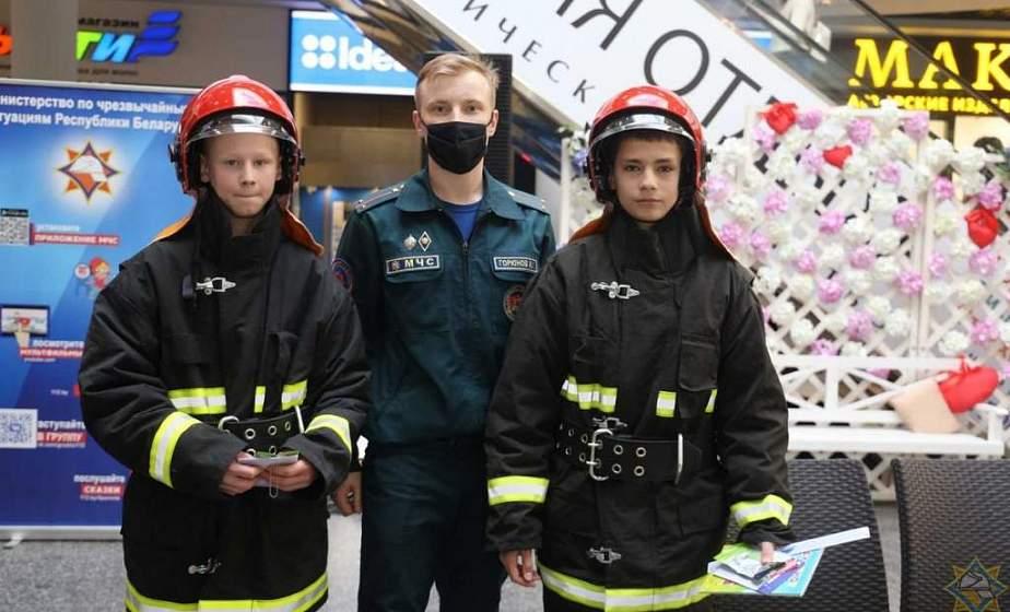 Дни открытых дверей в пожарных частях и дистанционный формат. В Гродно проходит «Единый день безопасности»