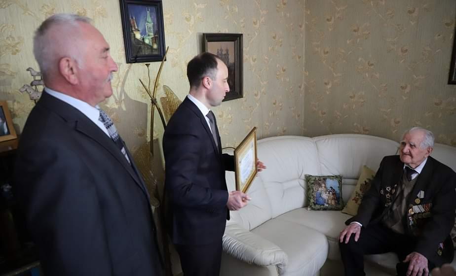 «Труд – главный секрет долголетия». Ветерана Великой Отечественной войны Семена Подофедова поздравили со 102-летием