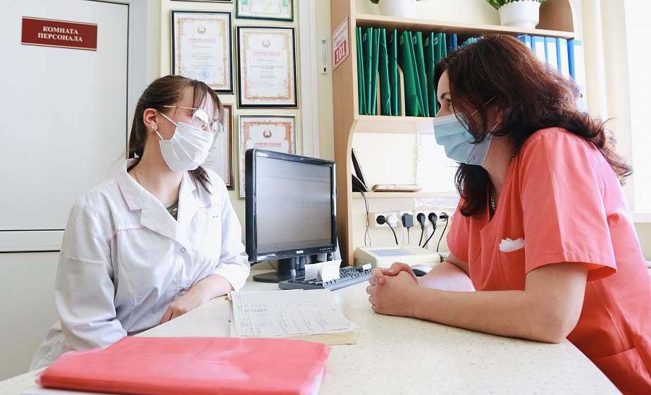 «Получают бесценный опыт, помогают штатному медперсоналу». Где и как работают бойцы медицинских студотрядов в Гродно?