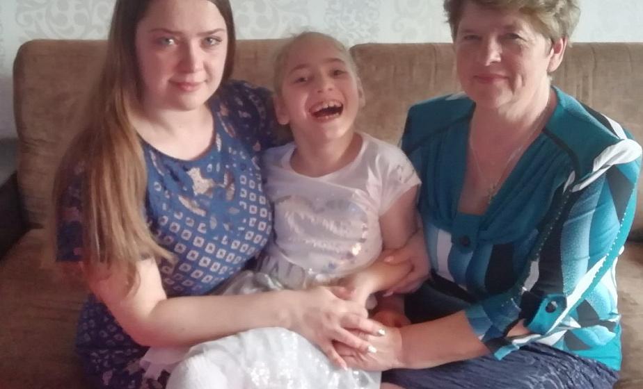 Восьмилетняя Илона Головницкая с тяжелой формой ДЦП нуждается в срочном лечении