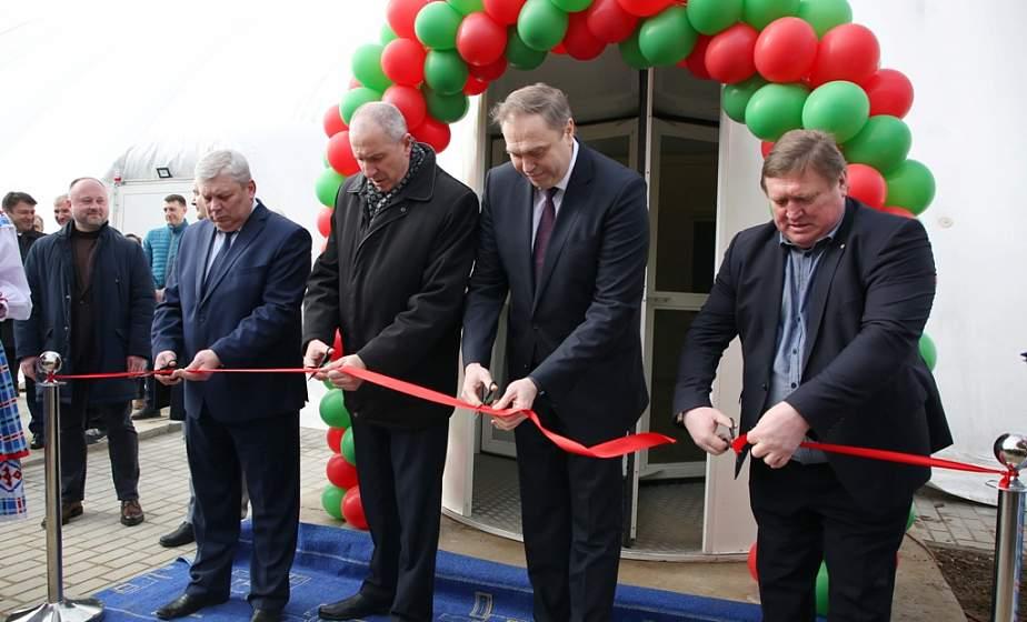 Теннисный центр с четырьмя крытыми кортами открыли в Гродно