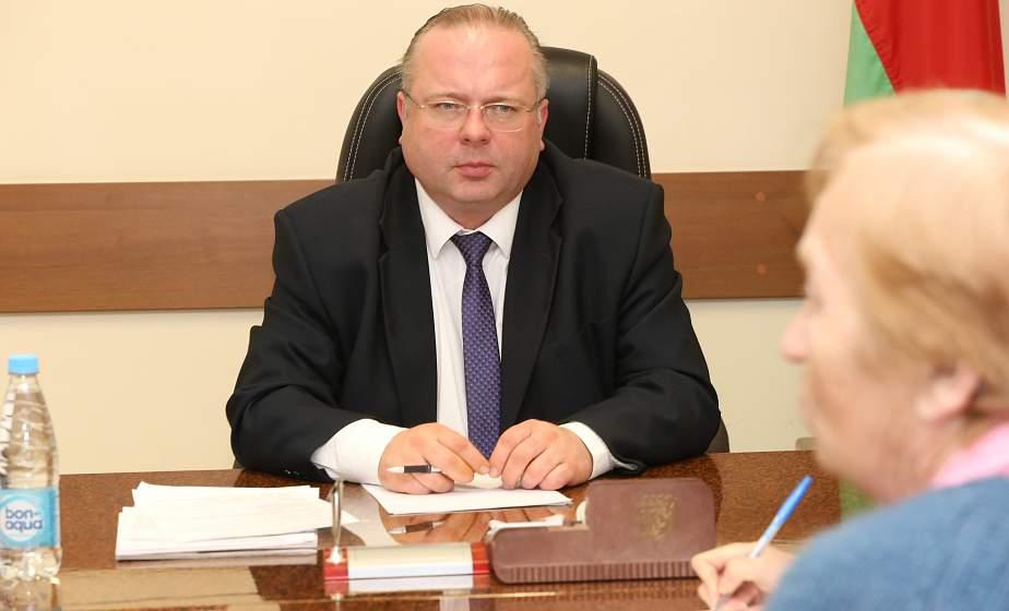 Первый заместитель председателя Комитета государственного контроля Республики Беларусь Василий Герасимов провел личный прием граждан и прямую телефонную линию в Дятловском райисполкоме
