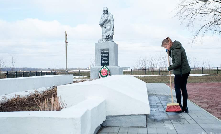 Жители Гродненского района привели в порядок мемориал, посвященный уничтожению деревни Пузовичи