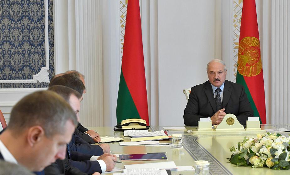 ВВП, экспорт, нефть и поставки продовольствия — Александр Лукашенко собрал совещание по экономическим вопросам