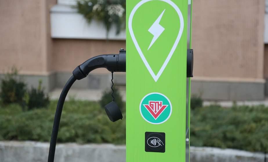 Максимальный ток – 22 киловатта. Зарядная станция электромобилей появилась в Гродно