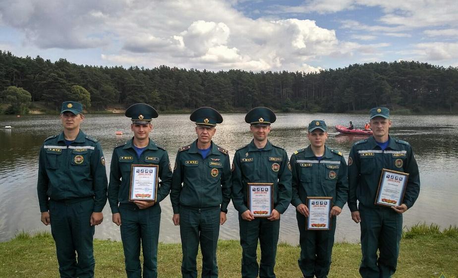 Областные соревнования по спасению людей на воде прошли на озере Юбилейное