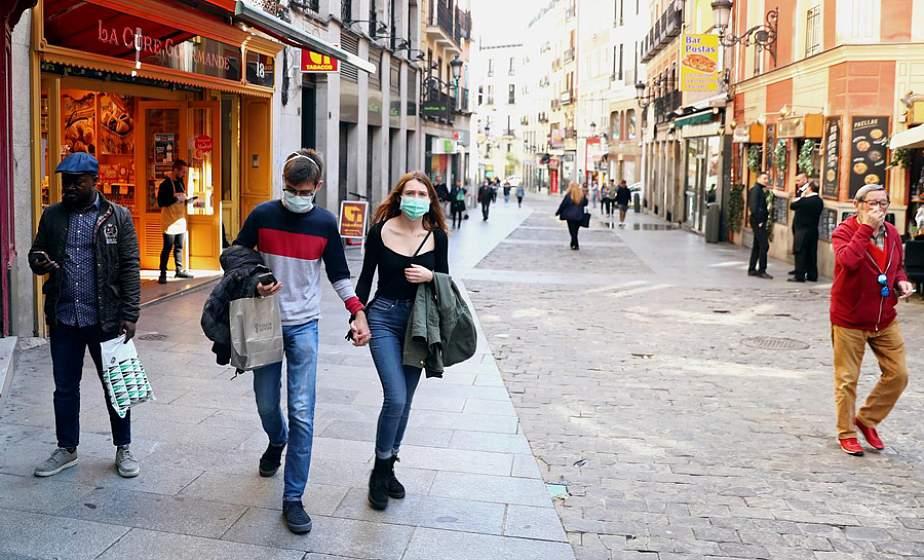 В Испании из-за коронавируса изолируют район с населением в 200 тысяч человек