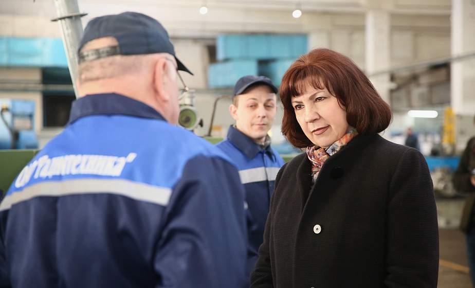 Экономика региона в новых условиях и поддержка старшего поколения. Наталья Кочанова посетила Ошмянский район