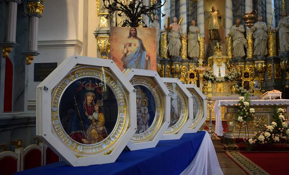 За мир, единство и спокойствие. Автомобили с копиями почитаемых икон Матери Божией проедут вдоль границ Беларуси