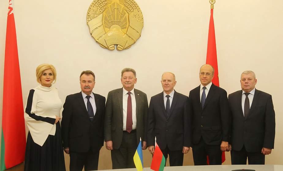 Подготовку к III Форуму регионов Беларуси и Украины, который пройдет в Гродно, обсудили в облисполкоме