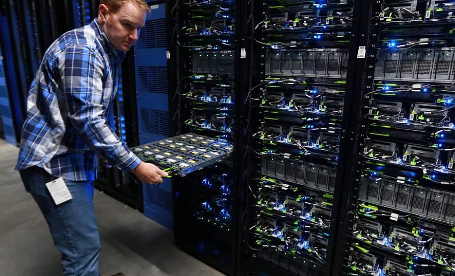 Серверы крупнейших мировых соцсетей не выдерживают нагрузку пользователей