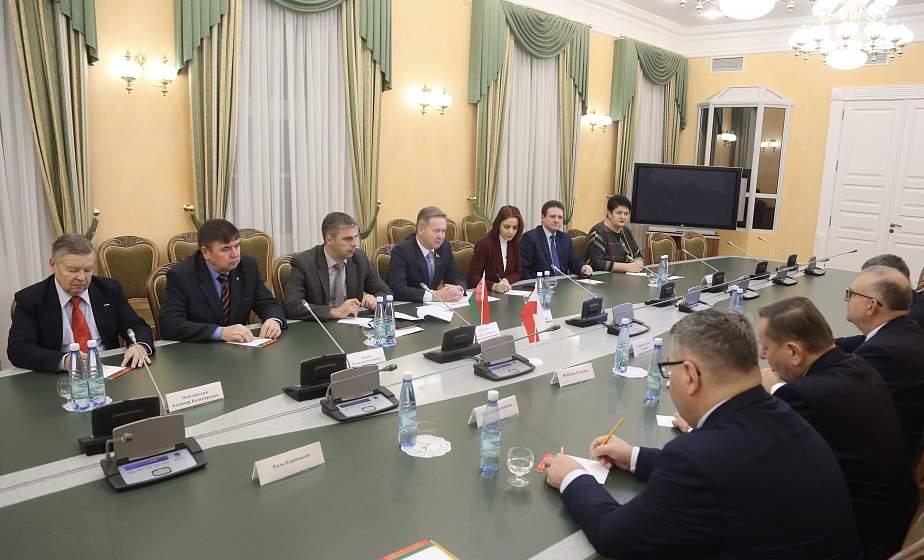 «Мы заинтересованы в сотрудничестве на благо развития добрососедских отношений». В облисполкоме обсудили взаимодействие Гродненщины и польских регионов