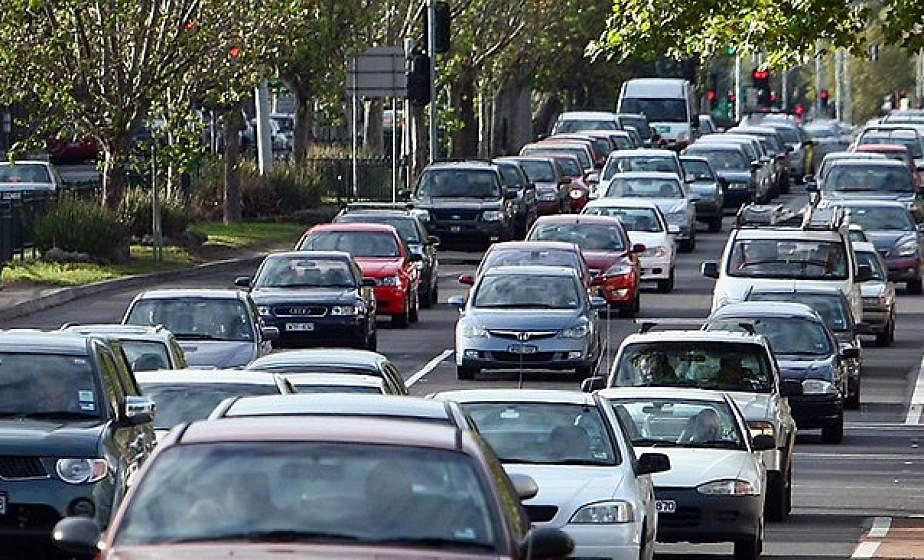 На два документа меньше: получить допуск автомобиля к участию в дорожном движении стало проще