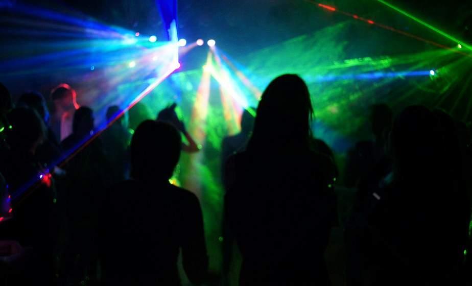 В Гродно девушка обиделась, что ее не пустили в ночной клуб, и сообщила в милицию, что здание заминировано