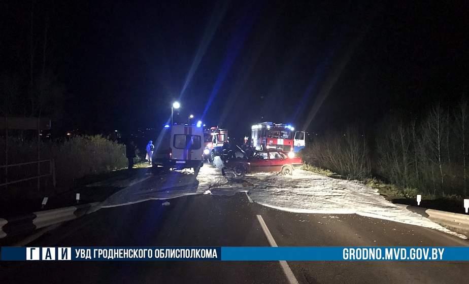 В Ошмянах водитель «Ауди» выехал на встречку и столкнулся с машиной «скорой помощи»