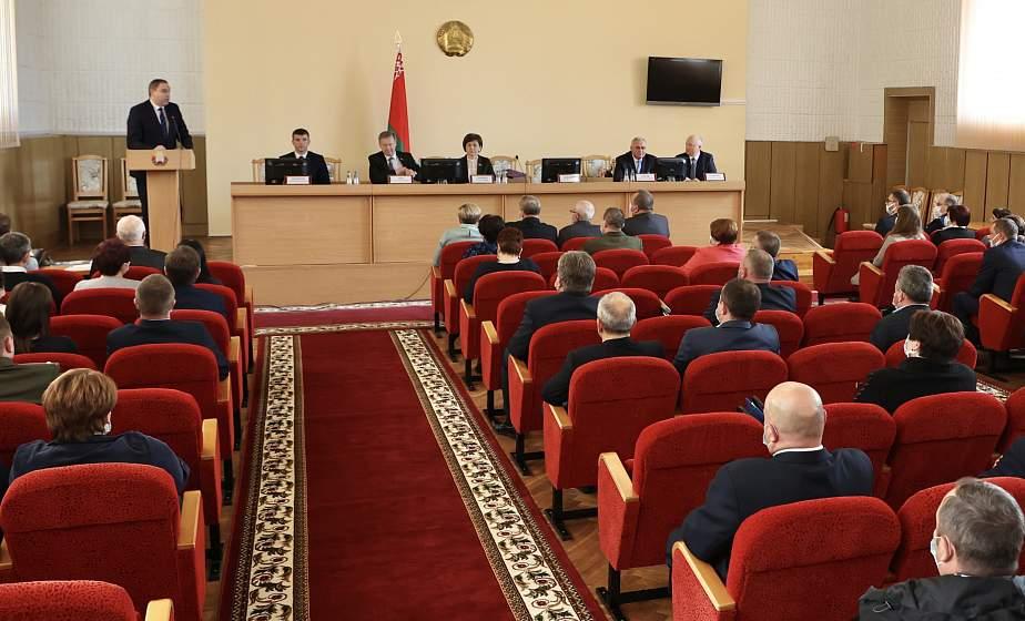Дмитрий Захарчук утвержден в должности председателя Вороновского райисполкома на сессии районного Совета депутатов