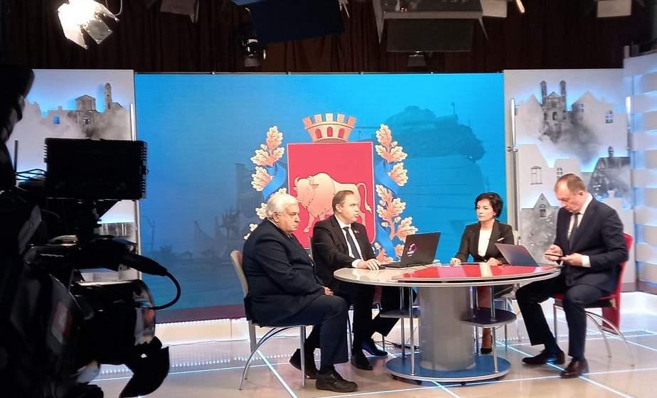 Стрим с участием председателя облисполкома Владимира Караника по теме вакцинации от COVID-19 уже начался. Смотрите онлайн
